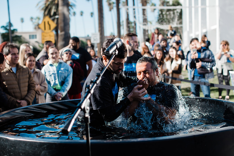 2018_12_30_HollywoodBaptisms_10am_NL-90.jpg
