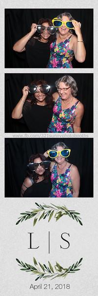 ELP0421 Lauren & Stephen wedding photobooth 58.jpg