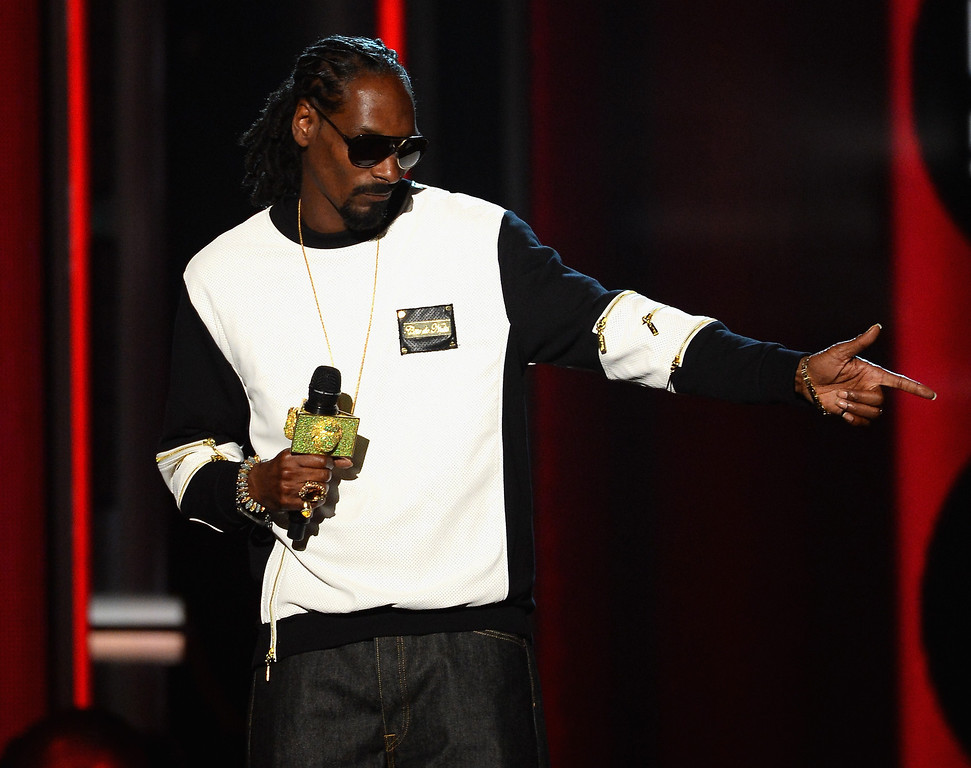 . Recording artist Snoop Dogg speaks onstage during the 2014 Billboard Music Awards at the MGM Grand Garden Arena on May 18, 2014 in Las Vegas, Nevada.  (Photo by Ethan Miller/Getty Images)