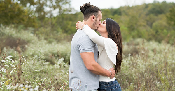 Knoxville Engagement Pictures - Ethan and Kaitlin
