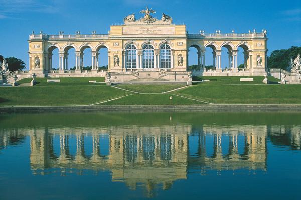 gloriette_schoenbrunn_palace_vienna_austria_photo_osterreich_werbung-diejun.jpg