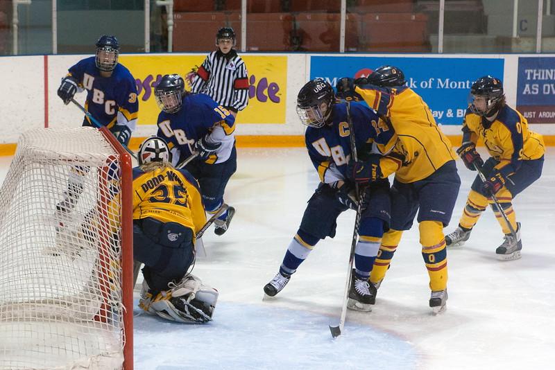20130310 QWHockeyvsUBC 644.jpg