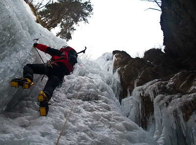 02 10 Ice Climbing in Pekel and Golte