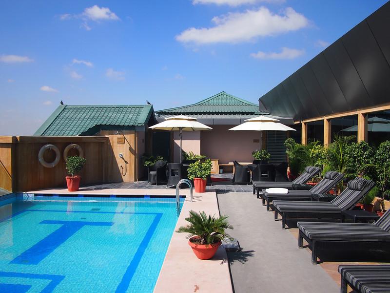 PA103616-swimming-pool.JPG