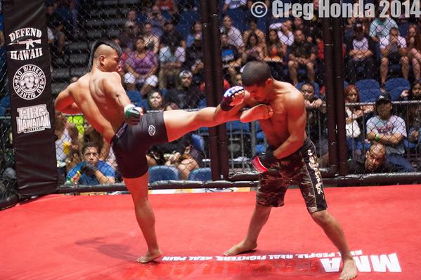 Ryan Mondola VS Manakiai Puahala