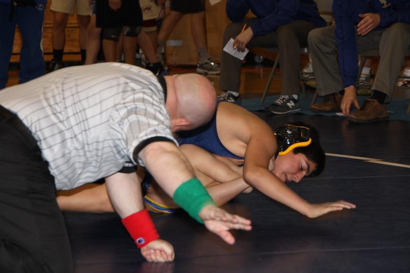 Middle School Wrestling Jan 22, 2011 009.JPG
