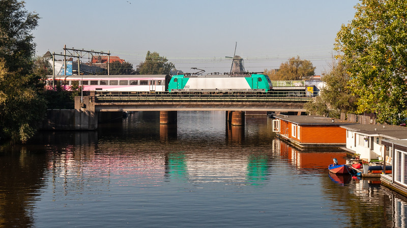 Lozingskanaal and the Amsterdam-Arnhem Railway
