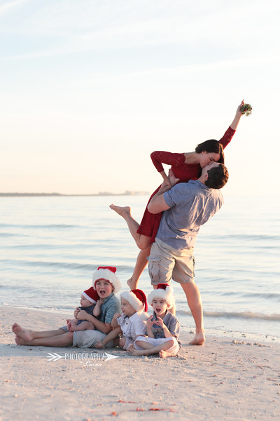 Family-Photo-Session-Honeymoon-Island-Beach-Florida-Red-Dress-Santa-Hats-Christmas-Session-Central-Florida-Tampa-Bay-Family-Photographer-Photography-By-Laina-9.jpg