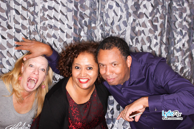red-hawk-2017-holiday-party-beltsville-maryland-sheraton-photo-booth-0262.jpg