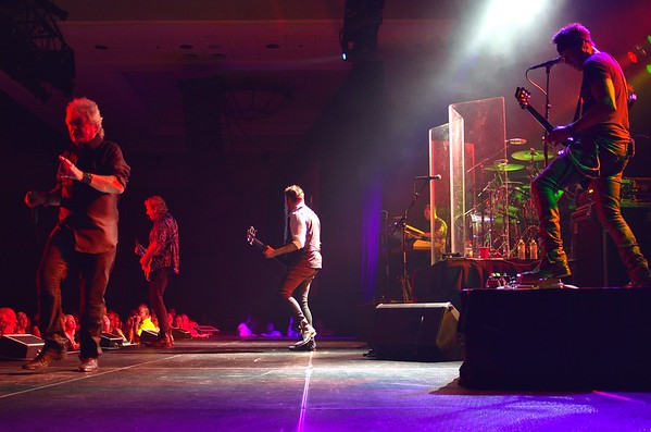 Air Supply - Seneca Niagara - 8-22-2014