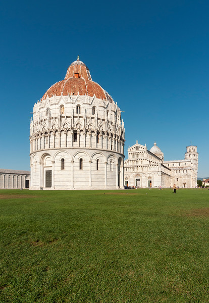 Baptistry of St. John (Battistero di San Giovanni) and Duomo (Cathedral) at Piazza dei Miracoli (Square of Miracles), Pisa, Toscana (Tuscany), Italy