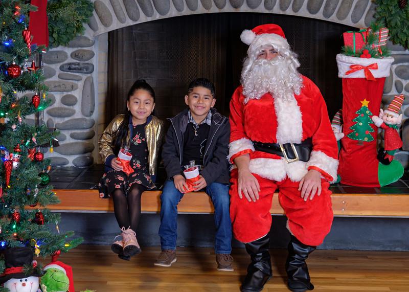 CB Santa 2019-7982.jpg
