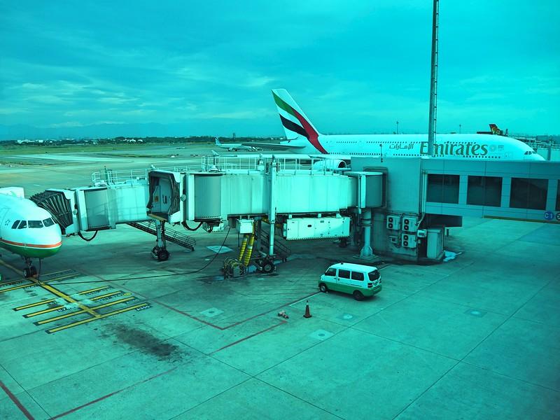P7030041-emirates-at-tpe.jpg