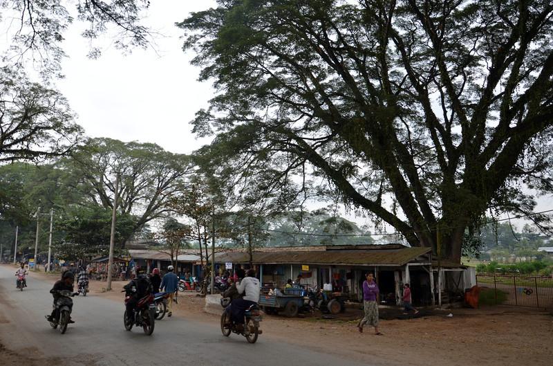 DSC_4845-main-road.JPG