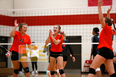 Logan tny - St. Charles vs West Salem VB19