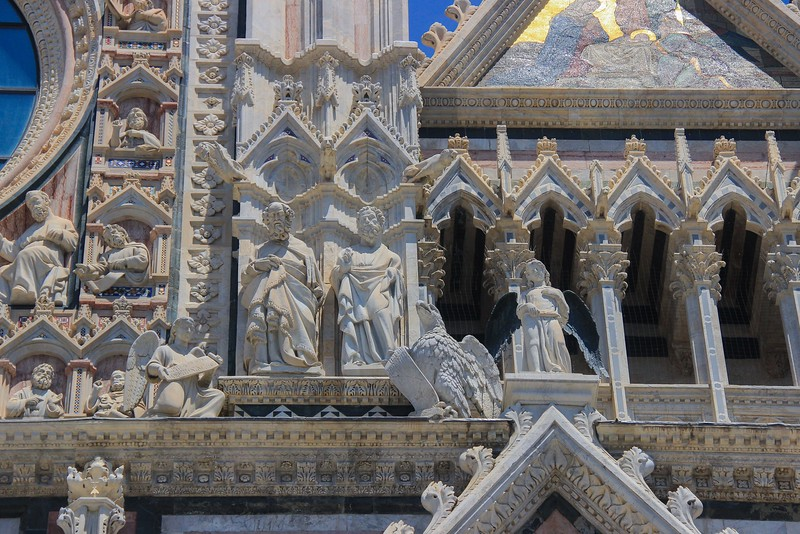 More amazing detail of Siena Cathedral. After frantically blazing away with the camera for a while, I just stopped and stared in awe.