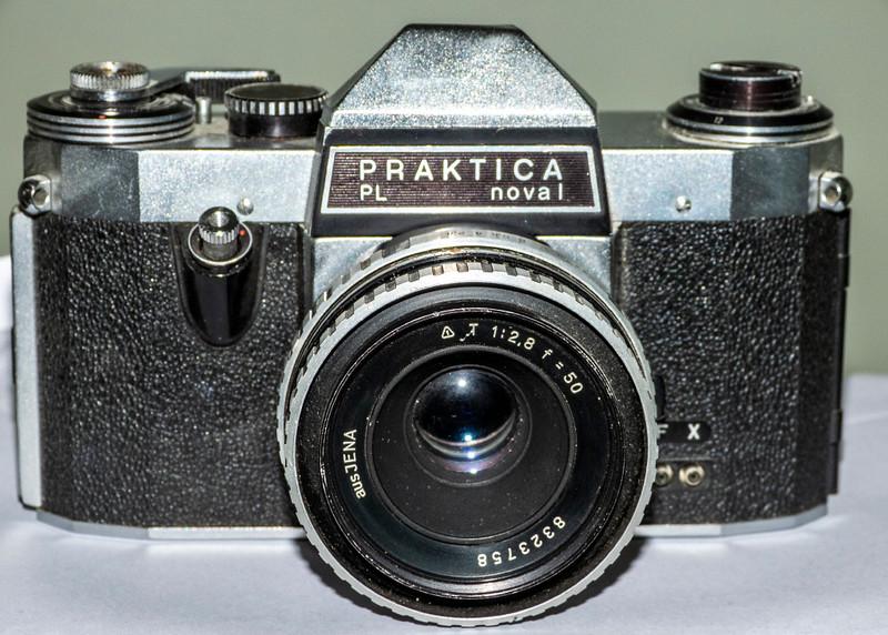 Praktica Nova 1 Camera