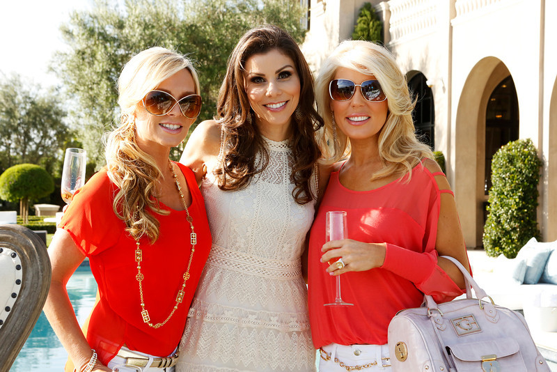 """. REAL HOUSEWIVES OF ORANGE COUNTY -- \""""All Housewives Clam Bake at Rachel\'s\"""" -- Pictured: (l-r) Tamra Barney, Heather Dubrow, Gretchen Rossi -- (Photo by Vivian Zink/Bravo)"""