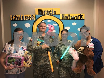 in-focus-texas-state-guard-members-deliver-toys-to-children-at-christus-mother-frances-hospital-12917