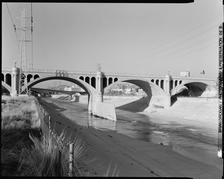 1999, Looking North at North Broadway Bridge