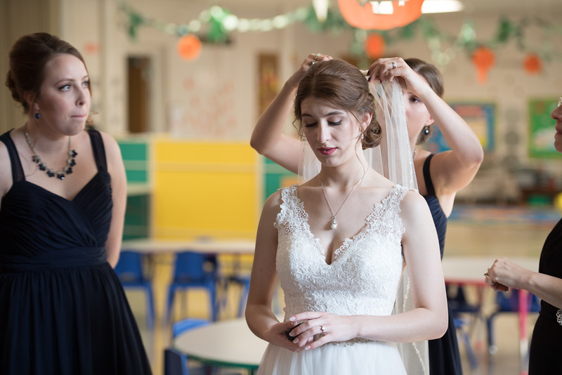 Drew and Taylor - Before the Ceremony  (161 of 216).jpg