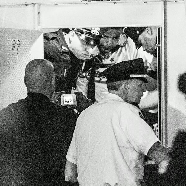 arrest10.jpg