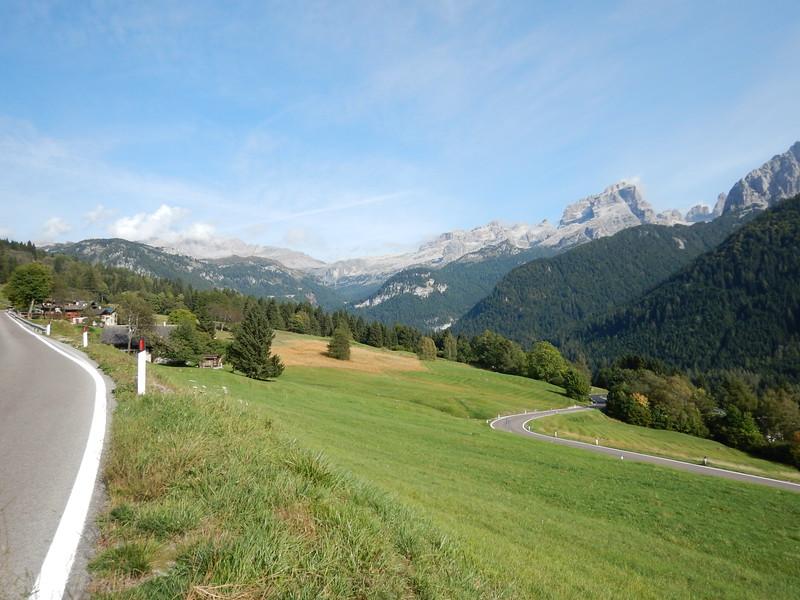 Madonna-di-Campiglio-mountain-views.JPG