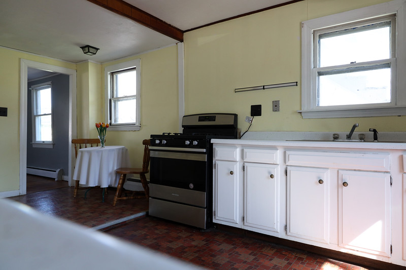 4 Pleasant St. Kitchen_1.jpg