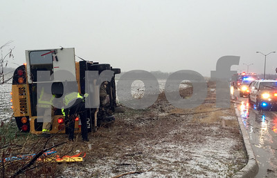 3-hurt-when-mansfield-isd-minibus-overturns-on-icy-road