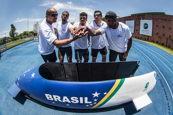 Treino da equipe brasileira de bobsled