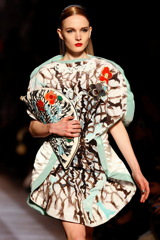 . A model presents a creation by Japanese designer Tsumori Chisato as part of her Fall-Winter 2013/2014 women\'s ready-to-wear fashion show during Paris fashion week March 2, 2013.  REUTERS/Charles Platiau