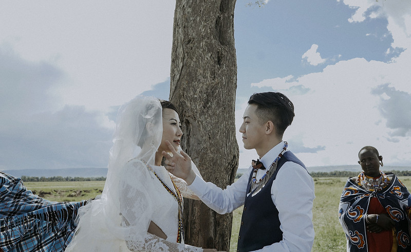 Tu-Nguyen-Destination-Wedding-Photographer-Kenya-Masai-Mara-Elopement-Doris-Sam-375.jpg