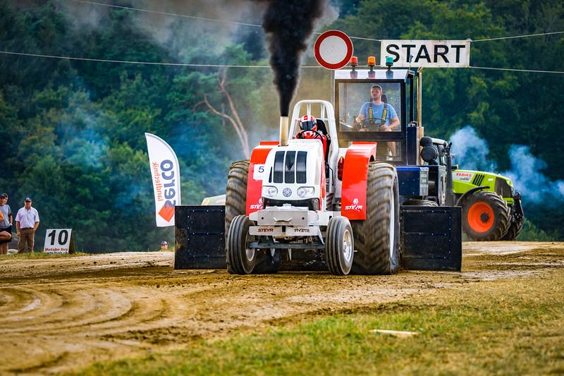 Tractor Pulling 2015-02525.jpg