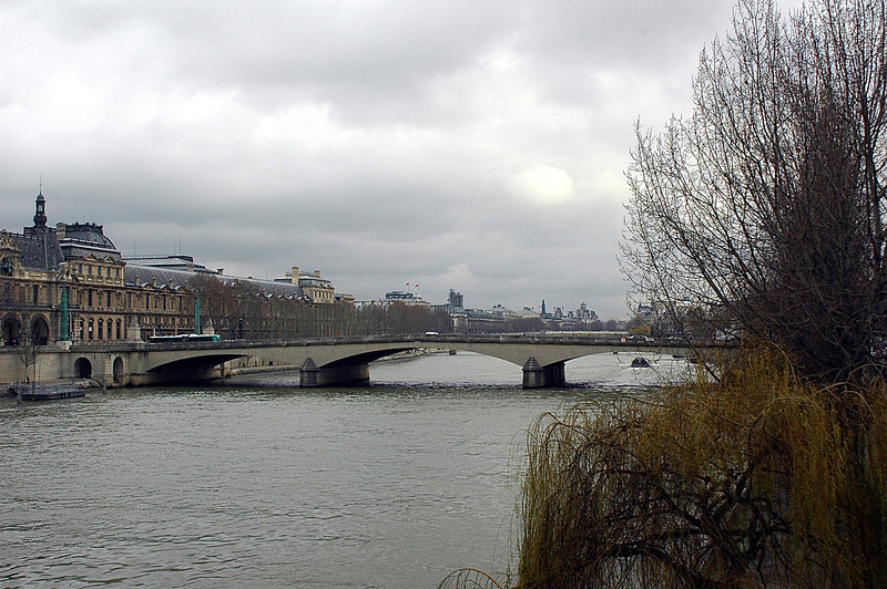 Overcast in the Seine River
