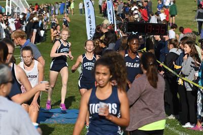 Girls Varsity Finish Line