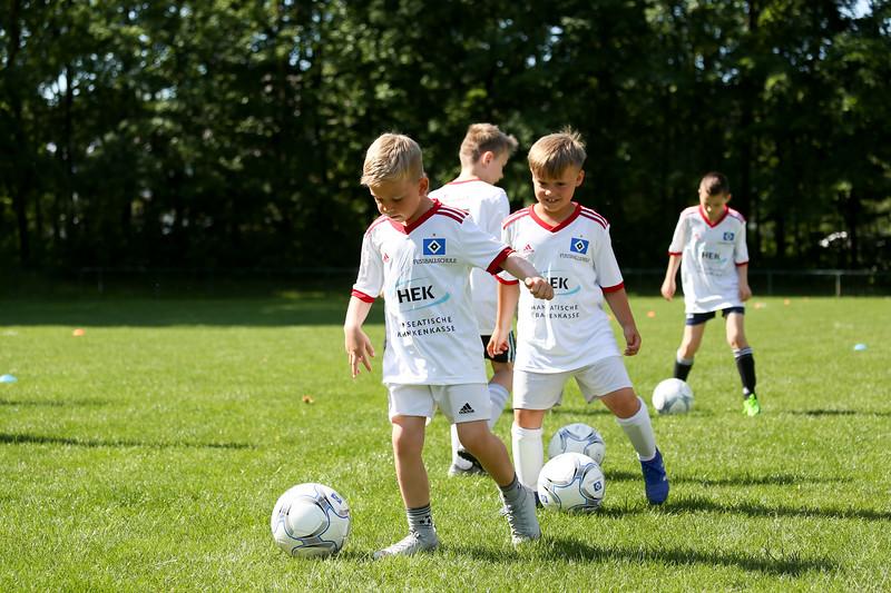 hsv_fussballschule-021_48048027682_o.jpg