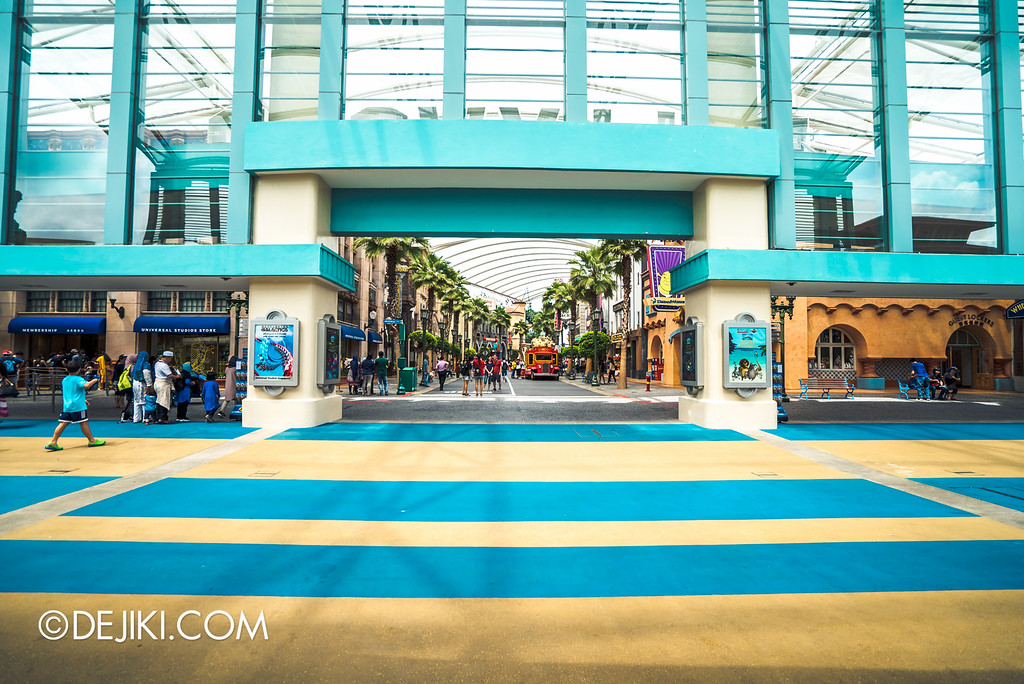 Universal Studios Singapore - Park Update May 2016 / Entrance Plaza
