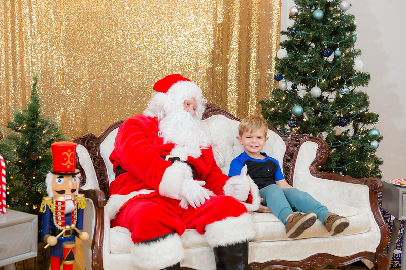 FADS Picture with Santa-351.jpg