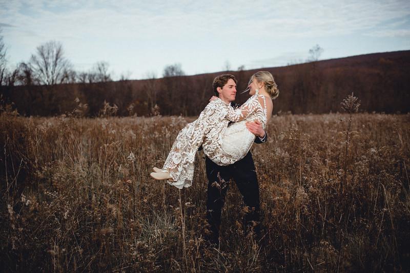 Requiem Images - Luxury Boho Winter Mountain Intimate Wedding - Seven Springs - Laurel Highlands - Blake Holly -901.jpg