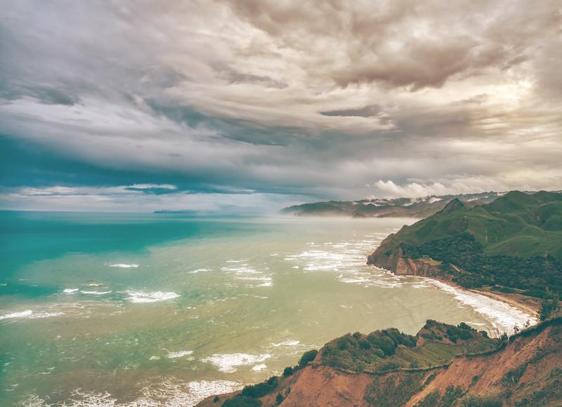 ROAD TRIP ALONG THE COAST OF NEW ZEALAND