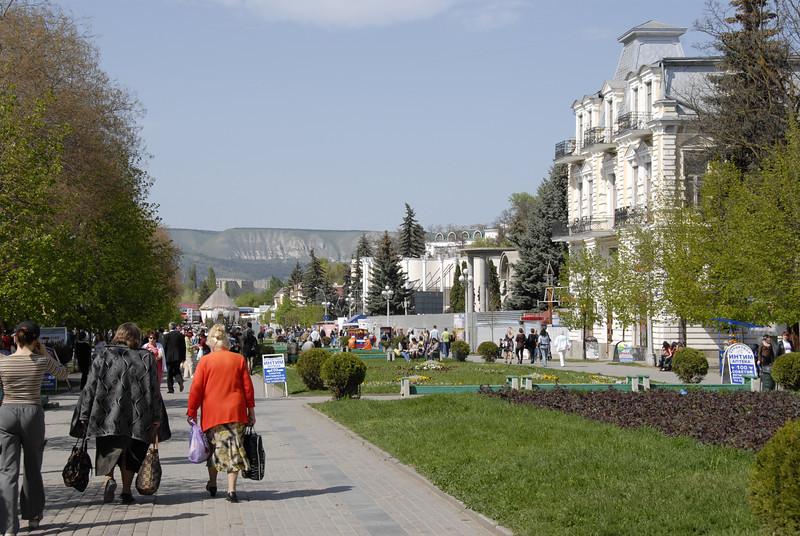 080428 0693 Russia - Kislovodsk - Mountain Hike with Inna and Olga _E _I ~E ~L.JPG