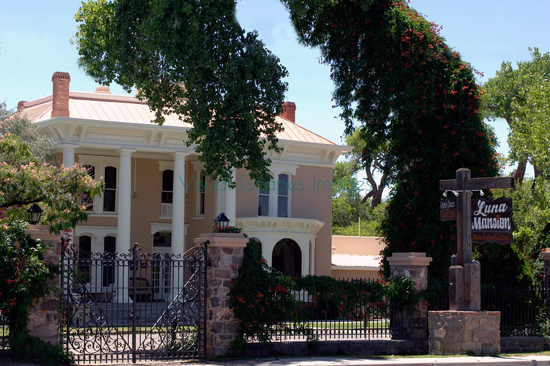 The Luna Mansion
