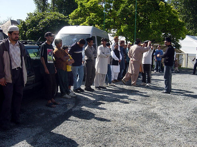 Huzoor's (aba) arrival and Jalsa inspection