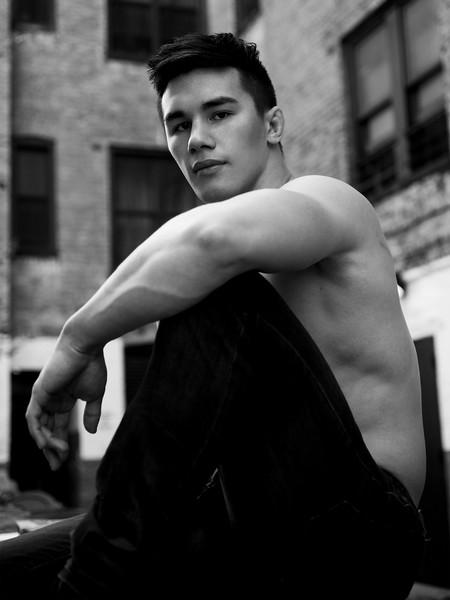 "@brickwilliammorgan 5' 10"" | Shirt M | Shoe 10.5 | 175lbs Ethnicity: Chinese Mixed Skills: Chinese Mixed, D1 wrestler, MMA (boxing, wrestling, muay thai), weightlifting, speak Chinese, speak a little Japanese"