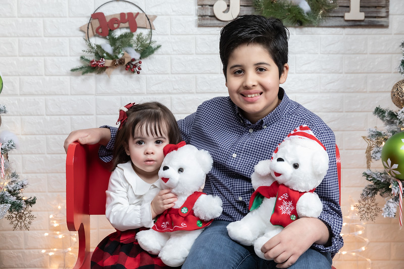 12.21.19 - Fernanda's Christmas Photo Session 2019 - -4.jpg
