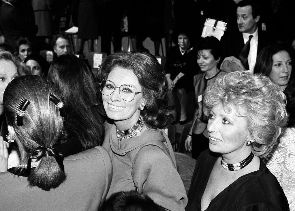 . Italian movie star Sophia Loren at show of Valentino�s high fashion collection for the spring-Summer 1987 presented in Rome, Thursday, Jan. 22, 1987. (AP Photo/Massimo Sambucetti)