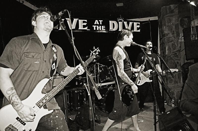 Last 2 Know @ Royal Dive