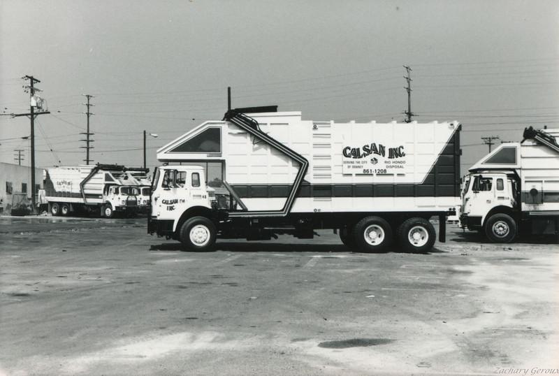 1983 International C&O Dempster Top Pack Front Loader