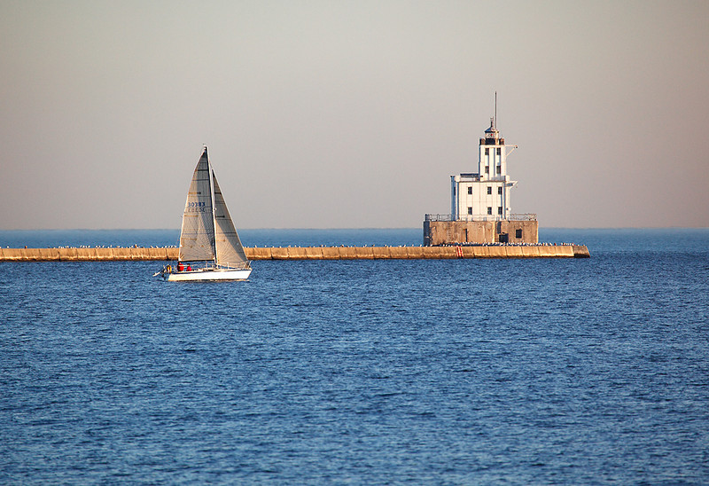 Sailboat Light - Milwaukee Breakwater Lighthouse (Milwaukee, WI)