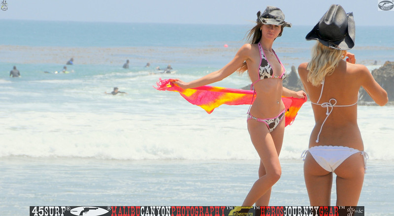 leo carillos surf's up beautiful swimsuit model 45surf 1581,best.book....